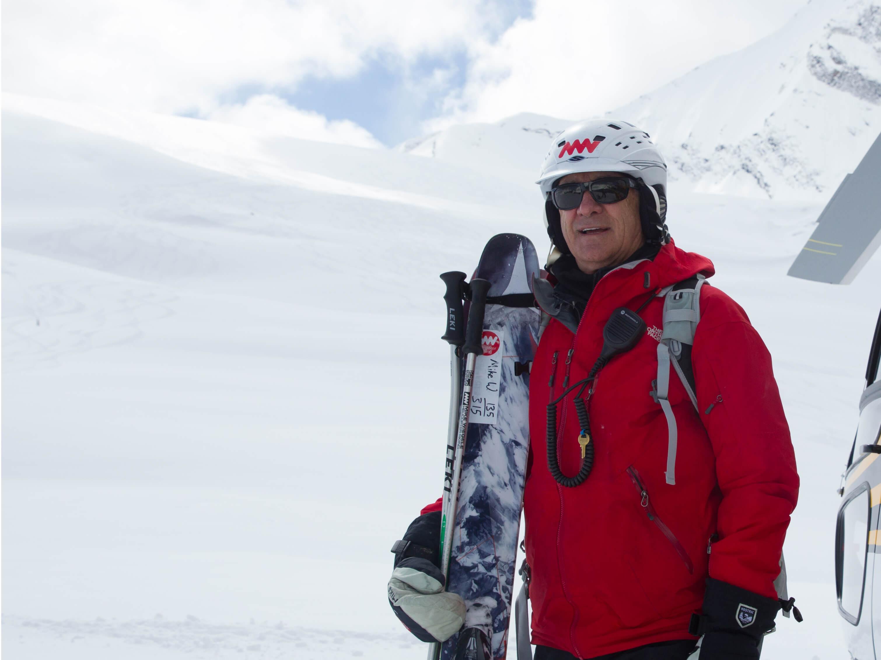 Mike Wiegele Heli-Skiing Resort   Heliskiing BC Canada